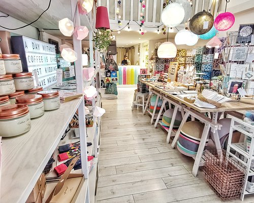 Lovely design shop in the heart of Budapest. Souvenirs, designer items and more.