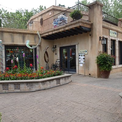 The gallery is located in Tlaquepaque Village