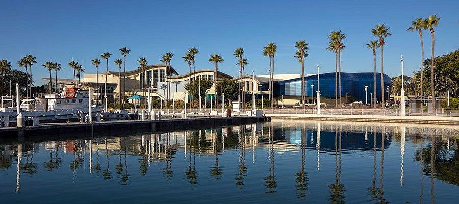 Aquarium from the harbor. Photo ® 2019 Tom Bonner.