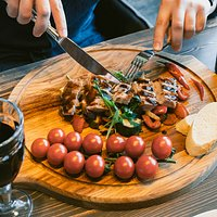 Уютный итальянский ресторан. Традиционные блюда с бокалом хорошего вина.  • Вс-Чт: 11:00-23:00 • Пт-Сб: 11:00-00:00 • Бронь столов: +7(4722) 407-207  #mammamiabelgorod