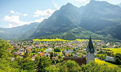 #liechtenstein is a 25km long #principality between #austria and #switzerland . It is known for its #medieval #castles #alpine #landscapes and #villages linked by a network of #trails . The capital #vaduz , a #cultural and #financial center, is home to #kunstmuseumliechtenstein , with #galleries of #modern and #contemporary #art