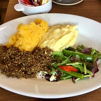 Haggis, neets and tatties.