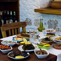 Misafirlerimiz için hazırladığımız masalarımız..