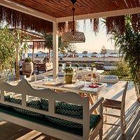 Almyra All day Beach-Bar-Restaurant