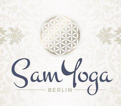 SamYoga Berlin Logo mit ornamentalen Elementen.