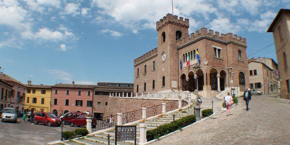 il palazzo e la piazza
