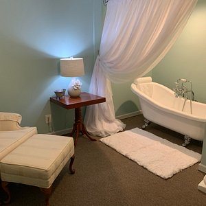 Time to rest and pamper yourself at The Willows of Ellijay day spa.