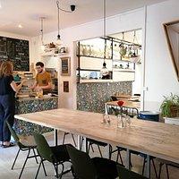 Bienvenue dans notre coffee shop indépendant ! Nous sommes ouverts du mardi au samedi à partir de 8h30