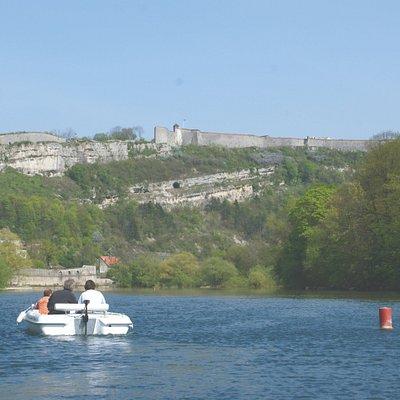 Le tour de la Boucle en bateau - vue sur la Citadelle