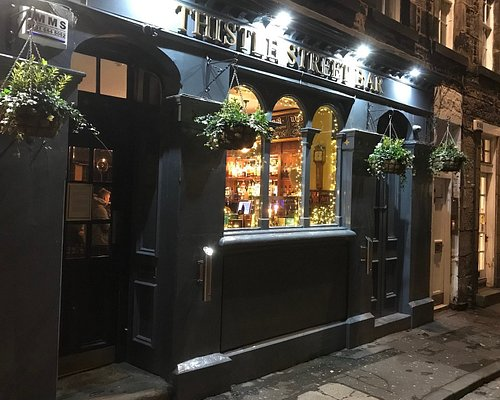 The welcoming exterior of the Thistle Street Bar