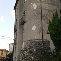 Antico torrione della cinta muraria di Atena Lucana