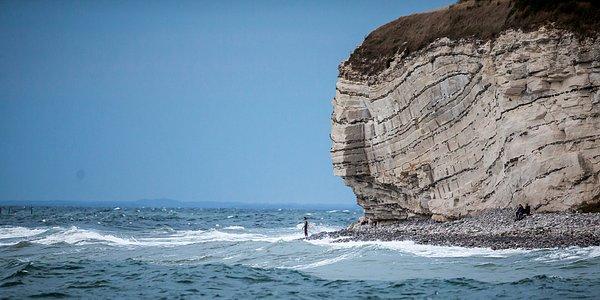 Det er muligt at surfe ved Stevns Klint