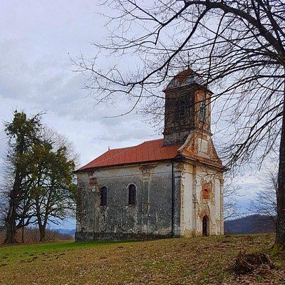 You can find this ortodox church on the hill Tirol, but it's closed for visits.