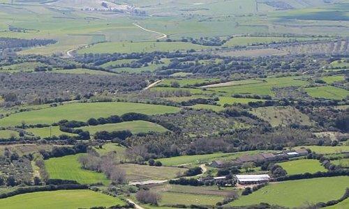 Vista panoramica dalla giara di Serri. Area archeologica Santa Vittoria.