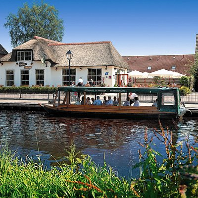 Restaurant & guided boattrips