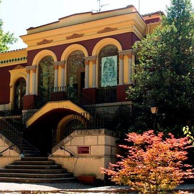 La Torre Castanys es la sede del Museu dels Volcans de Olot.