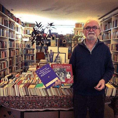 Geschäftsführer des Antiquariats & Verlags Jenior
