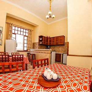 Our house is located in a 1921 building of Old Havana, 400 meters away from Plaza Vieja and 500 meters from the Capitol. The guests can enjoy a beautiful dining room, living room & kitchen. Breakfast, laundry plus taxi shuttle from the airport can also be arranged.