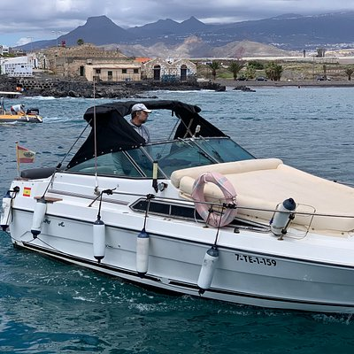 Detalle de proa de Tango I. La colchoneta es fantástica para navegar tumbado y disfrutando del sol