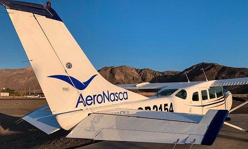 AeroNasca: Avionetas Cessna 207-A para hacer los vuelos a las Líneas de Nazca.