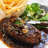 Faux Filet Bordelaise - 300g Porterhouse w red wine sauce & bone marrow