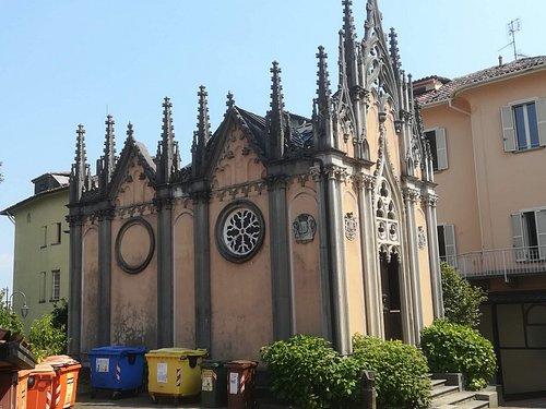 Cappella neogotica di Villa Mon Repos,vicino al Castello