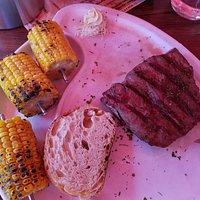 Flat Iron Steak mit Maiskolben