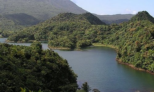 A huge lake of fresh water found in Morne Trois Piton in the nature island of Dominica. Even the journey is captivating. But the view from the top leaves the best of us speechless