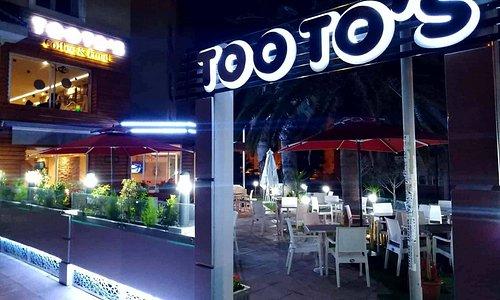 Tooto's - Coffee & Food