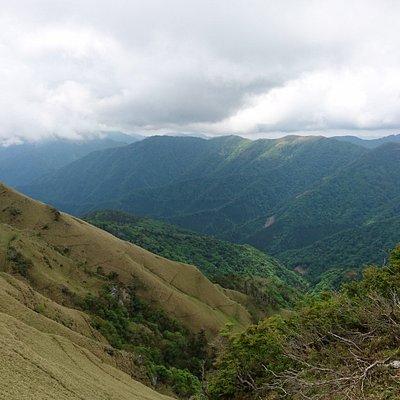 三嶺頂上付近からの眺望