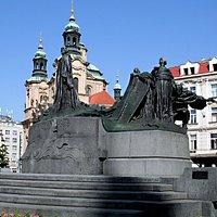 Vue du Monument dédié à Jan Hus