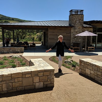Peake Ranch Vineyards new tasting room and patio loubge