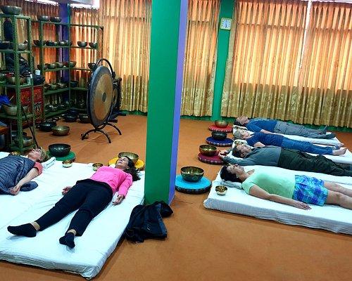 Tibetan Singing bowl Group sound therapy