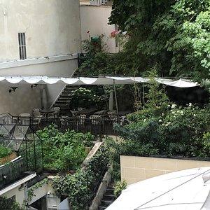 La terrasse de la Maison du Danemark vue depuis l'Espace Culturel du 2ème étage