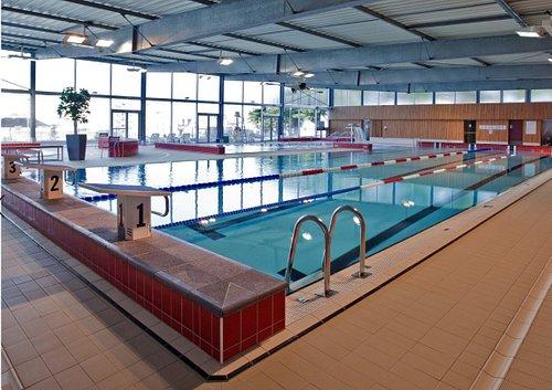Bassin 25m, bassin loisirs, pataugeoire, espace bien-être, SPA extérieur.