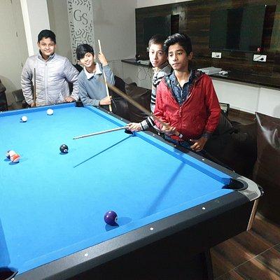 Amazing pool table