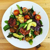 Avocado and spicy chorizo salad