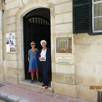 A warm welcome from Maruja and Amelia