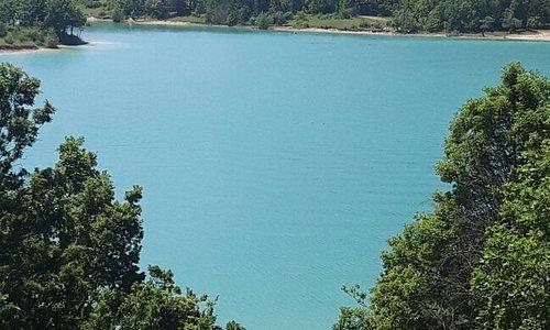 Il borgo ed il Lago