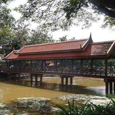 Siem Reap Riverside Park:橋