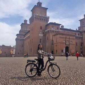 ELERENT FERRARA, il nuovo modo di vivere la città 🏦 Effettuiamo servizio sia di noleggio sia di vendita di biciclette a pedalata assistita e di monopattini elettrici. Passa a trovarci nel nostro store in Corso Porta Po 91/A a Ferrara!