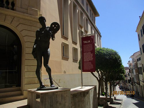Talia- sculpture to mark reopening in 2001