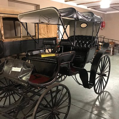 Wagon hall display