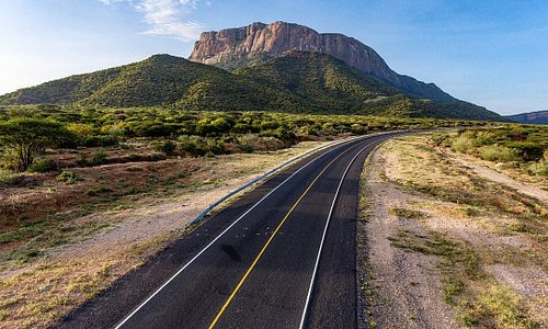 Mt.Ololokwe is a distinctive flat-topped mountain overlooking the Samburu plains in Northern Kenya,her beauty calls you from the highway and if you have been on this road you must have made a mental note that you will be back to experience her.  #TembeaKenya #MagicalKenya #EmbracetheMagic 📸:@mwarv
