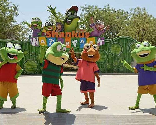 Mascots Welcoming @ Entry Gate