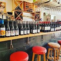 Un grand choix de vin d'ici et d'ailleurs