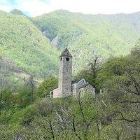 Blick auf die Chiesa di San Bernardo von Curzutt aus
