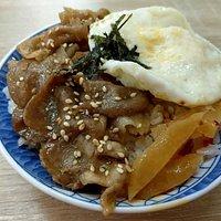 平民美食…燒肉飯+赤肉羹湯就吃飽飽囉!