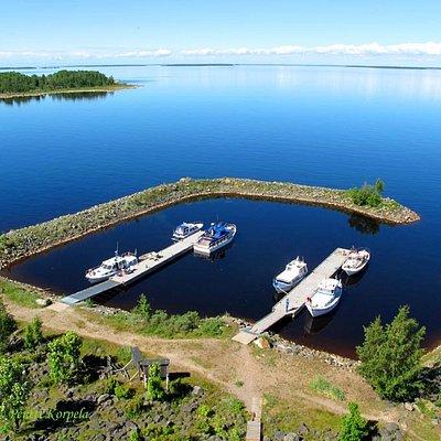 Selkä-Sarven pohjoispään satama.