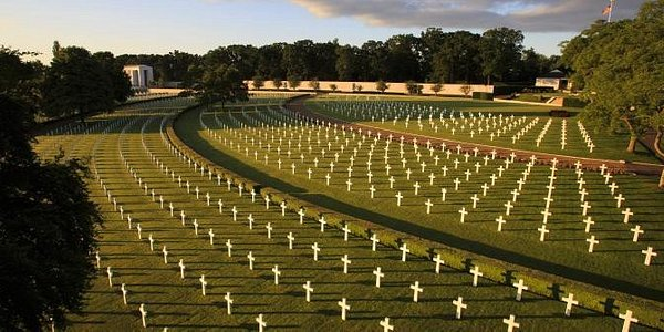 Cambridge American Cemetery & Memorial honors the memory of the thousands of American service members and civilian volunteers who served, achieved, and sacrificed in World War II for the freedom and liberty that we enjoy today.
